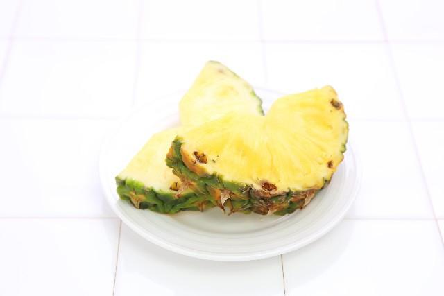 カットパイナップル