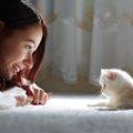 猫に話しかけるのは効果ある?お返事をしている3つの仕草