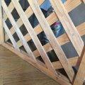 パーテーションで猫の飛び出しを防ぐ!脱走防止柵の作り方