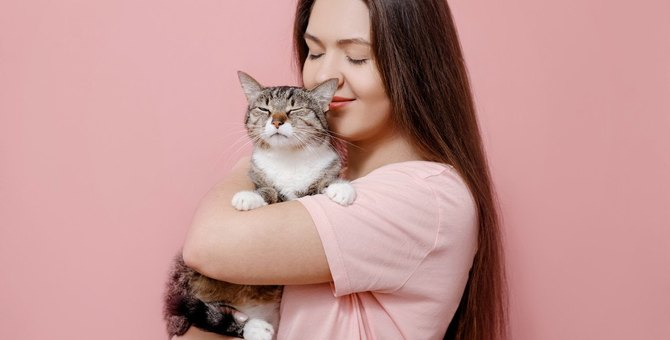 猫がとろける『極上抱っこ』のポイント4つ