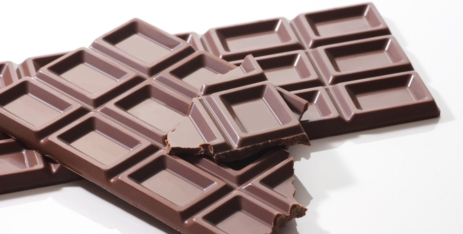猫にチョコレートを食べさせても良い?食べた時の症状や対処法