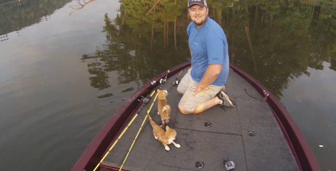 魚釣りに来ていたお兄さん、釣ったのはまさかの猫?!