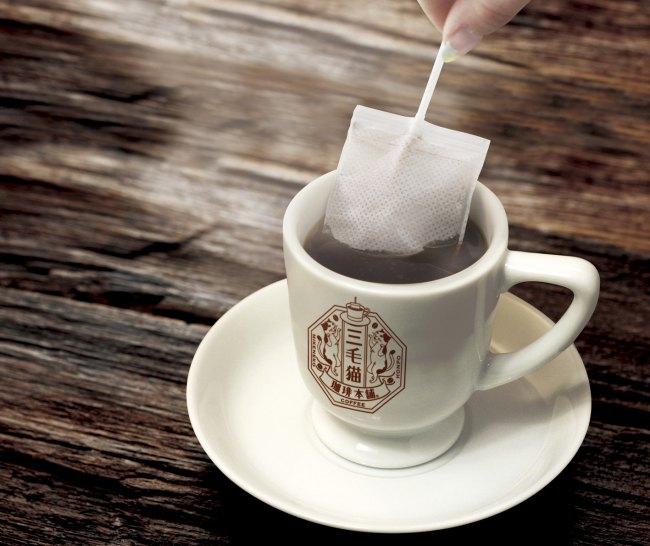 可愛い三毛猫パッケージの本格コーヒー!