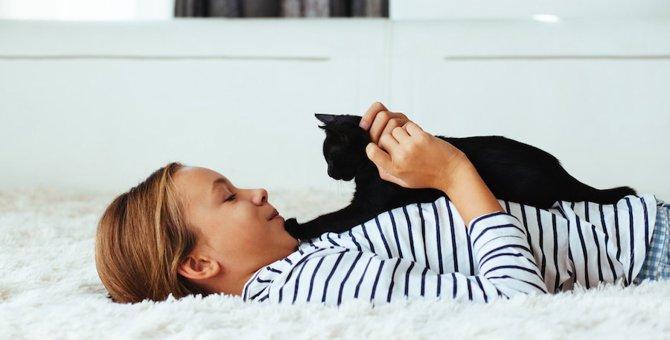 猫は接する相手で態度を変える!?6つのパターン
