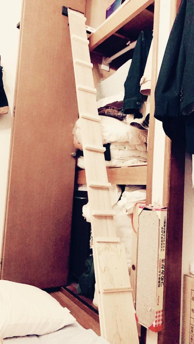 クローゼットの天袋が大好きな愛猫の為に『猫用のはしご』をDIYしてみました
