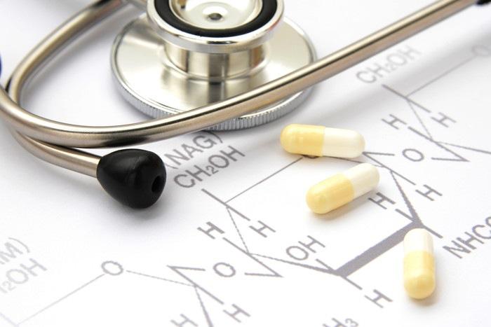聴診器と薬