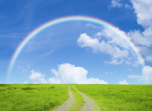 虹がかかった青空
