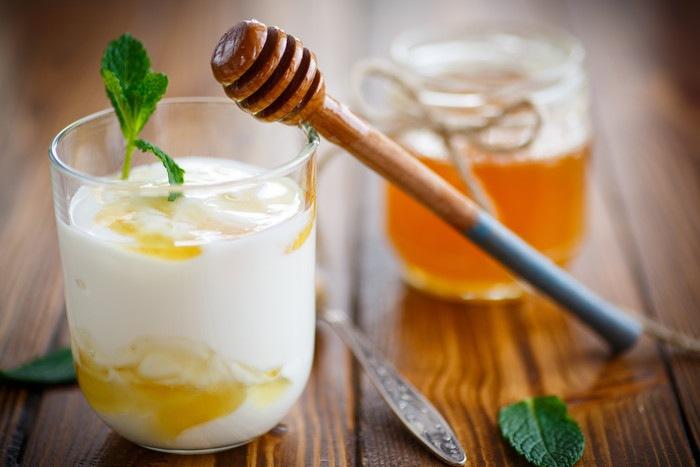 ヨーグルトと蜂蜜