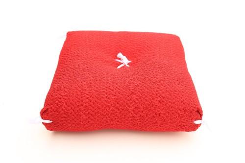 赤い座布団