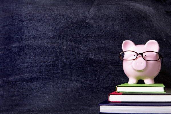 118215004 豚の貯金箱の写真