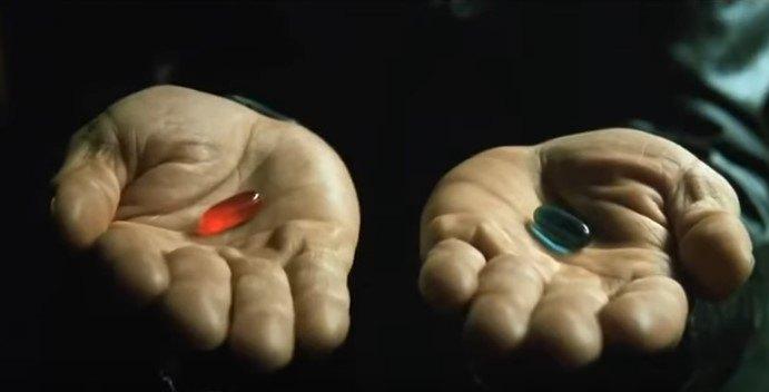 青と赤のカプセル
