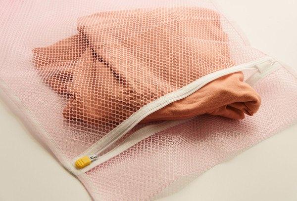 ピンクの洗濯ネット