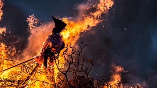 火あぶりにされる魔女
