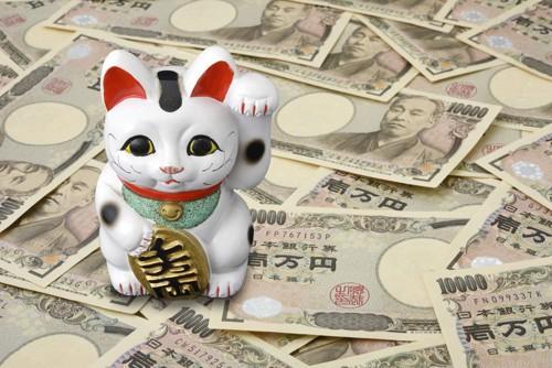 招き猫と一万円札達