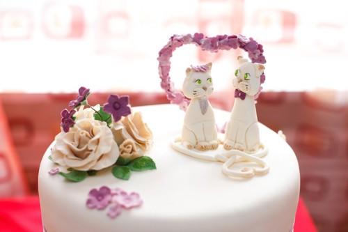 猫のモチーフのウェディングケーキ