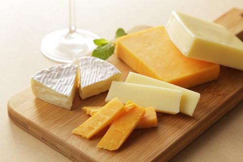様々な種類のチーズ