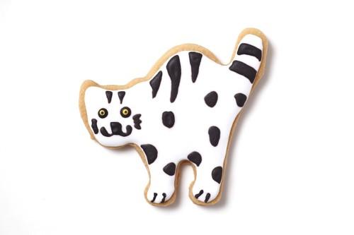 白黒柄の猫のアイシングクッキー