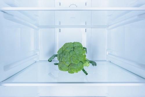 冷蔵庫の中のブロッコリー