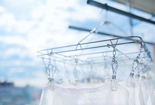 太陽の下に干されている洗濯物