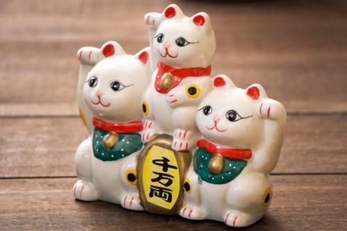 三匹の招き猫