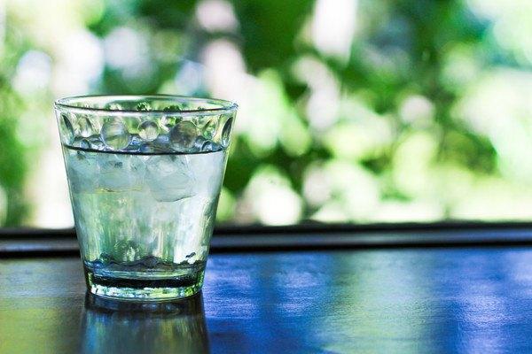 グラスの氷