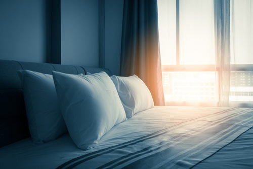 清潔なベッド