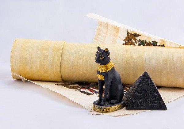 エジプトとアヌビス猫