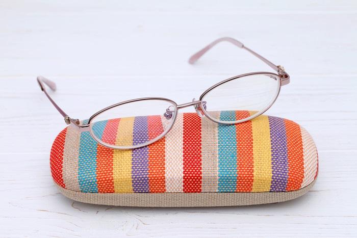 メガネとメガネケース
