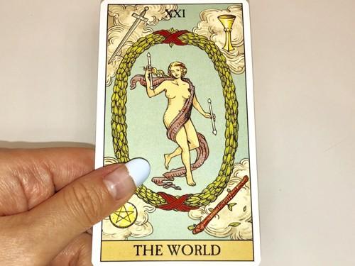 WORLDのカード