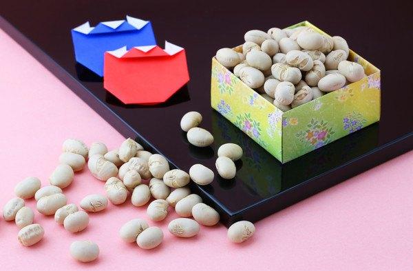 お豆と折り紙