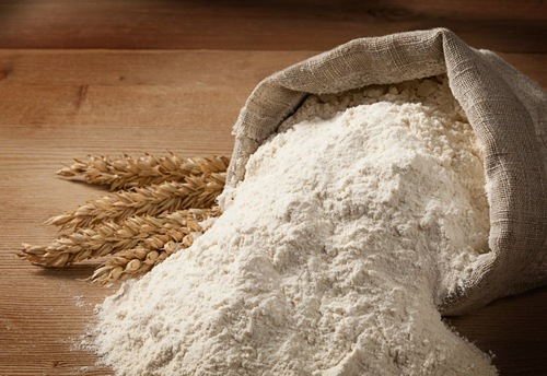 小麦粉と小麦の穂