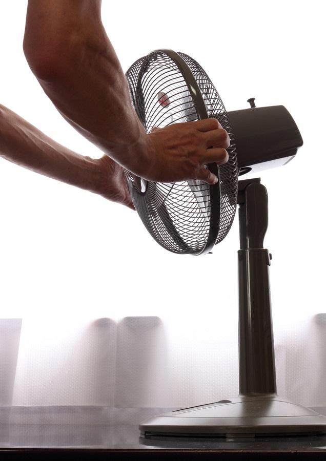 扇風機のカバーの取り付け