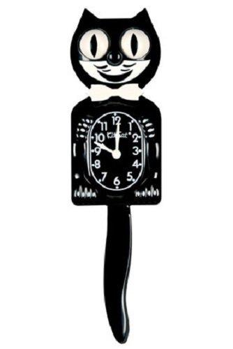 白い蝶ネクタイをした黒猫の振り子時計