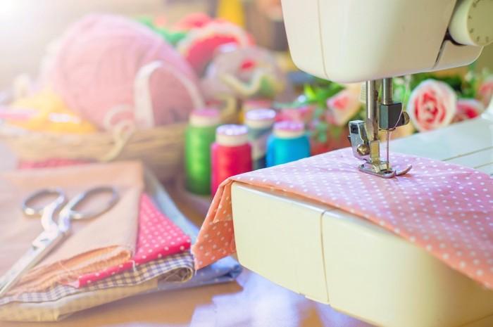ミシンと裁縫道具