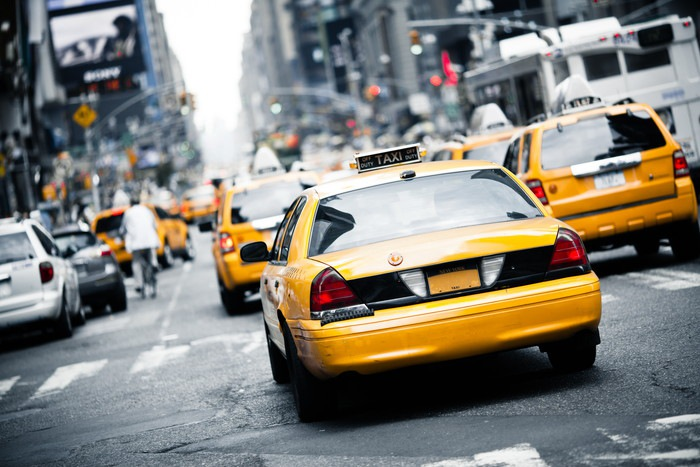 黄色のタクシー