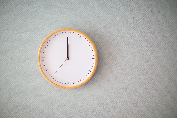 壁にかかった時計