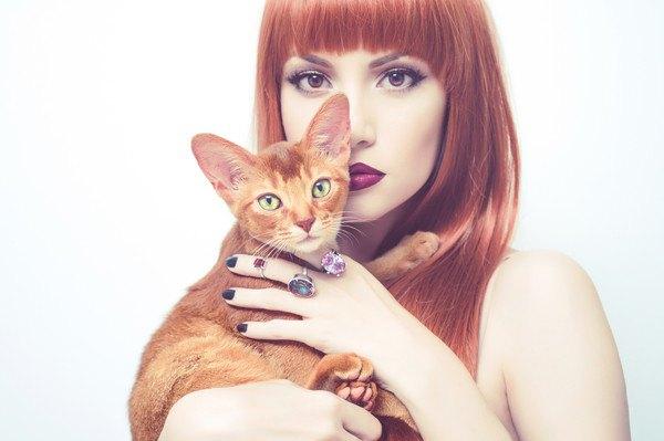 猫とマニキュア