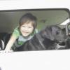 犬と車で出かけると…の画像