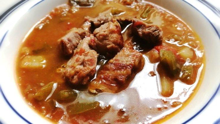 【わんちゃんごはん】夏の疲れに食欲モリモリ!『豚肉と夏野菜のスタミナスープ』のレシピ