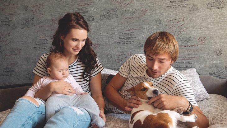 家族内で警戒されている人はいませんか?愛犬との関係を改善する3つの方法
