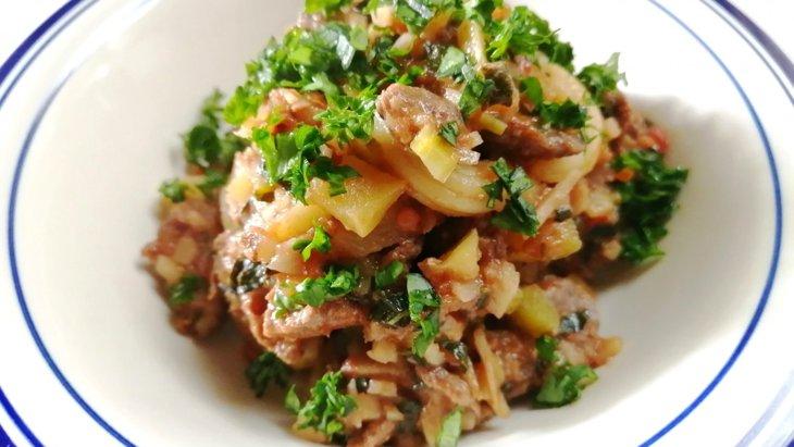 【わんちゃんごはん】『馬肉とりんごの煮込みパスタ』のレシピ