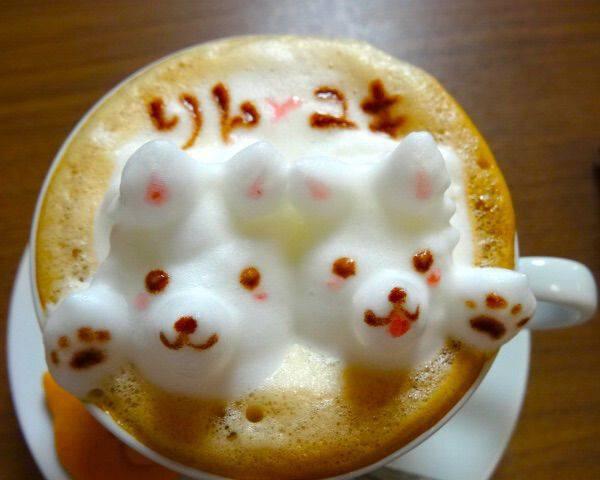 愛犬と一緒に「しろいぬカフェ」、愛犬そっくりのカフェアートに感動!