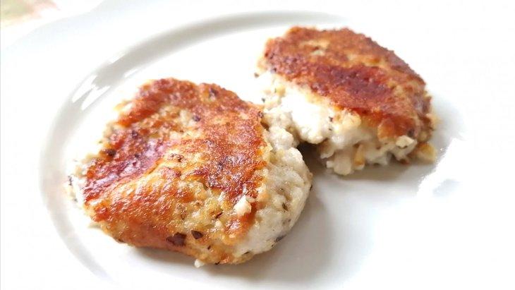 【わんちゃんごはん】チーズとろ~り『里芋と鶏肉の芋もち』のレシピ