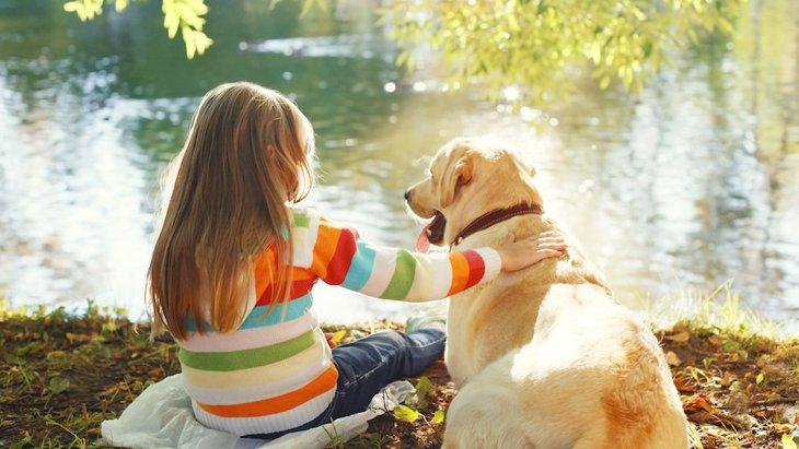 犬と子どもが一緒に暮らすメリットや注意点
