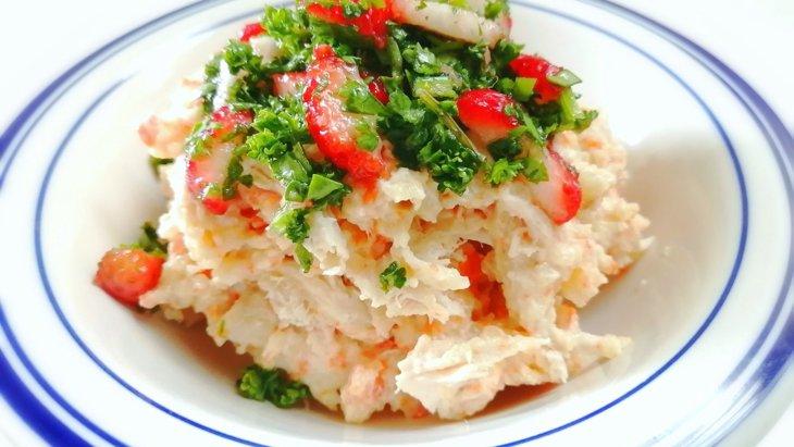 【わんちゃんごはん】『ポテトサラダのいちごパセリソース』のレシピ