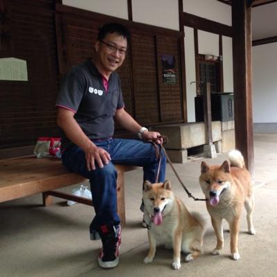 柴犬2匹とわんぱぱ