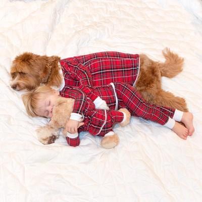 赤チェックのパジャマ