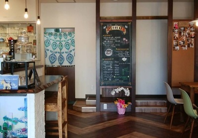 Cafe TonTon店内