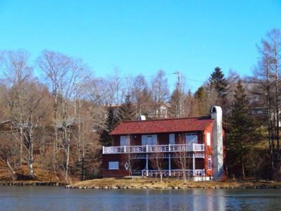 赤い別荘の睡鳩荘