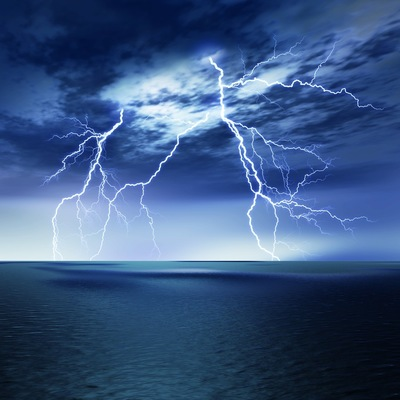 犬が苦手な雷の音